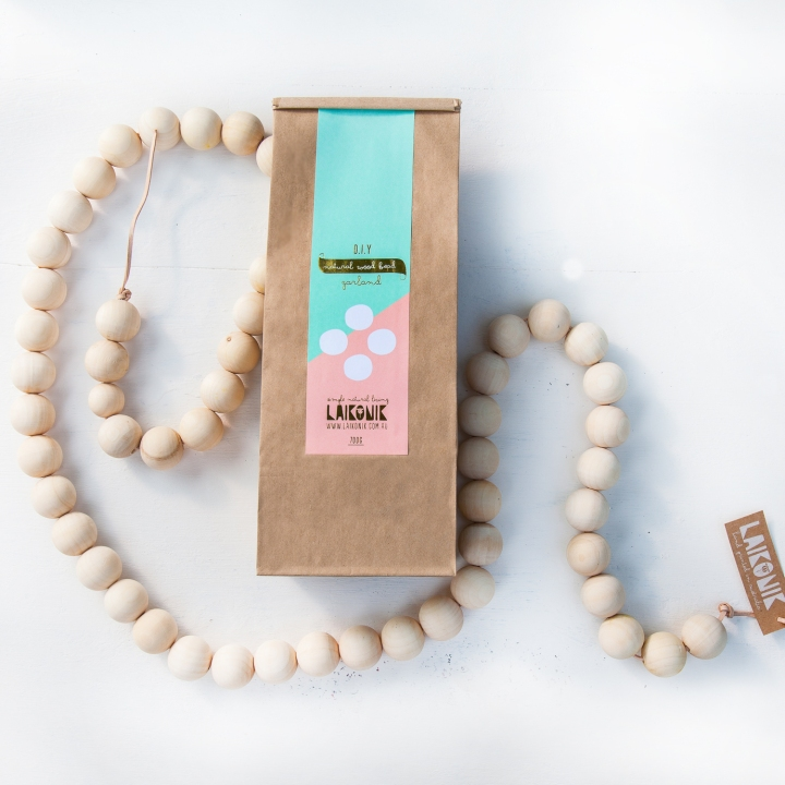 Packaging + Beads-SQUARE